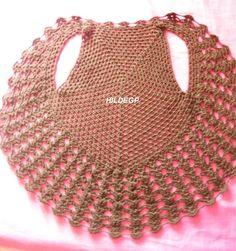Realizado partiendo de una base redonda y formando 5 lados (pentagonal)      Despues de 15 vueltas , separar para las mangas     Tej...