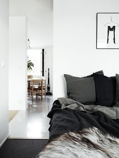 Lovely linen bedding. Styled by Lotta Agaton.