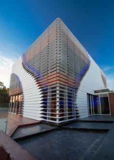 En la ciudad de Casablanca, Marruecos, se encuentra el galardonado proyecto restaurante Villa Gapi del arquitecto marroquí Lofti Sidirahal,...