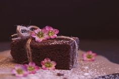 Chocolate brownie recipe: Easy and delicious Food Cakes, Brownie Recipes, Cake Recipes, Chocolates, Chocolate Sin Gluten, Delicious Chocolate, Carrot Cake Cookies, Coconut Flour Recipes, Baking Tins