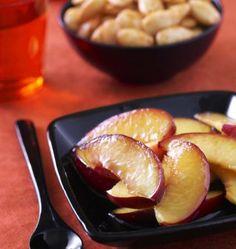 Salade de pêches à la fleur d'oranger : photo de la recette Pretzel Bites, Baked Potato, Barbecue, Potatoes, Bread, Baking, Ethnic Recipes, Food, Simple