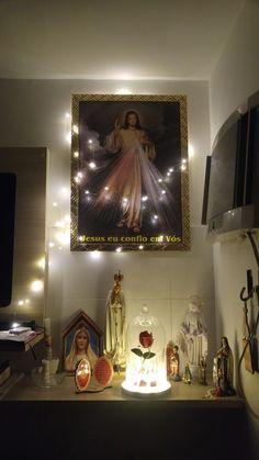 Religious Images, Religious Art, Home Altar Catholic, Altar Design, Image Jesus, Prayer Corner, Catholic Religion, Biblical Art, Prayer Room