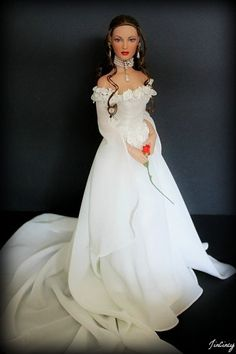 "Tonner ""Sweetheart"" wearing Butterfly Ring bride gown"