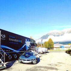 Anfang Oktober waren wir bei unseren österreichischen Kollegen in Asten in der Nähe von Linz und stellten dort die neuesten Trends und Technologien in unserem Showtruck vor. Als zusätzliches Augenfutter hatten wir auch unseren BMW i8 mit Plug-in-Hybridantrieb BMW eDrive vor Ort. #Sonepar #InnovationLab #SoneparLab #Lab #fortschritt #elektronik #future #truck #technology #veranstaltung  #ElectrifyYourFuture #SIL #Mercedes #future #Zukunft #Technologie #hightech #MercedesLkw #LKW