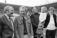 American singer Andy Williams meets Manchester United players at Old Trafford during his British tour, including manager Tommy Docherty, Willie Morgan and Alex Stepney. Get premium, high resolution news photos at Getty Images Manchester United Players, Andy Williams, Old Trafford, National Photography, American Singers, Poster Size Prints, Fine Art Prints, The Unit, Print Music