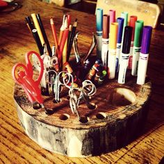 Explorations Early Learning Toys Fun idea for a DiY natural 'art supply caddy' from Explorations Early Learning Reggio Inspired Classrooms, Reggio Classroom, Outdoor Classroom, Classroom Decor, Reggio Emilia, Learning Spaces, Learning Toys, Early Learning, Fairy Dust Teaching