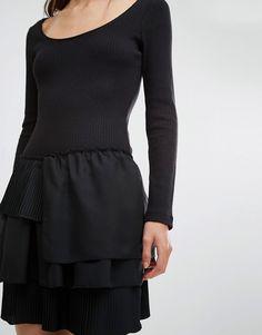 Imagen 3 de Vestido a media pierna de canalé con cordón de French Connection