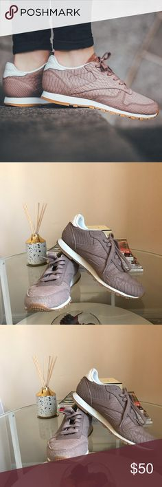 Reebok Classic Soft Camel 4M Toddler shoes NWT