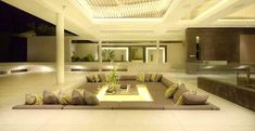 Divani originali: 20 idee per un divano incorporato nel pavimento