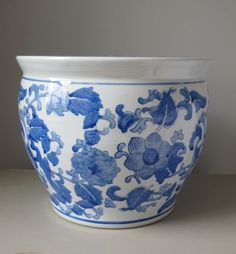 Vintage-Blue-and-White-Planter-Pot-Jardiniere-Chinoiserie-Asian-Chinese