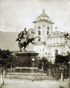 Inauguración de la estatua ecuestre del Libertador en la Plaza Bolívar de Caracas.  Inauguración de la estatua ecuestre del Libertador en la Plaza Bolívar de Caracas. 07-11-1874 (CORTESÍA FUNDACIÓN JONH BOULTON)