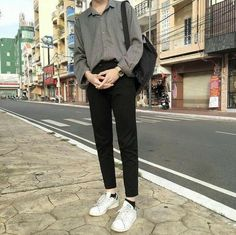 Korean Fashion Trends you can Steal – Designer Fashion Tips Korean Fashion Men, Fashion Mode, Korean Street Fashion, Fashion Outfits, Emo Fashion, Stylish Mens Outfits, Cool Outfits, Casual Outfits, Men Casual
