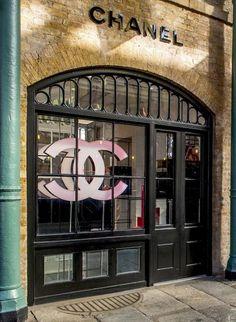 Chanel Beauty - Covent Garden- we love shops and shopping - www.facebook.com/Shoppedinternational