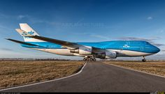 KLM Royal Dutch Airlines Boeing new livery Boeing 747 400, Boeing Aircraft, Passenger Aircraft, Airport Architecture, Airplane Drone, Royal Dutch, International Civil Aviation Organization, Airplane Photography, Commercial Aircraft