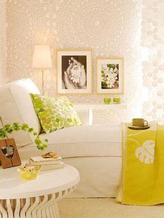 ambiente alegre y actual con decoración en color amarillo lima y blanco