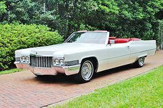 Cadillac DeVille Convertible                                                                                                                                                                                 Plus