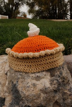 Pumpkin pie hat crochet pattern! Cute!