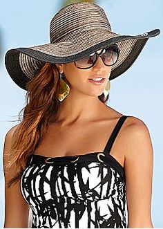 Floppy straw hat by VENUS