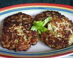Crab Cakes - Recipe here http://www.food.com/recipe/red-lobster-crab-cakes-144671 | Red Lobster hack