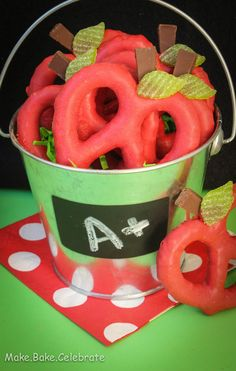 Cute Back-to-School Treat:  Apple Pretzels--I want to be the mom who does this for her kids teachers some day.