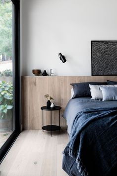 Inspiration Chambre Bedroom Inspiration Schlafzimmer Inspiration – Apocalypse Now And Then Bedroom Design Inspiration, Modern Bedroom Design, Master Bedroom Design, Contemporary Bedroom, Home Decor Bedroom, Modern Interior Design, Home Design, Bedroom Furniture, Bedroom Ideas