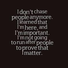Nu mă interesează mai nimic. Şi-mi pare rău, sincer, că-s conştientă că nu-i spre binele meu. Dar n-ar fi altfel nici dacă mi-ar păsa prea mult, căci oamenii au prostul obicei de a profita de cei ce se arată interesaţi de ceva în viaţa asta.