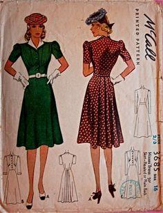 McCall 3685: Misses' dress, skirt pleated or plain back