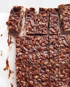 No-Bake Chocolate-Almond Oat Bars Martha Stewart Living, Sep 2014 Almond Bars, Oat Bars, Oatmeal Bars, Almond Butter, Just Desserts, Delicious Desserts, Dessert Recipes, Yummy Food, Healthy Treats