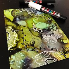 334 Me gusta, 13 comentarios - 🎨 IᑎK ᗩᖇT Alcohol Ink Crafts, Alcohol Ink Painting, Alcohol Ink Art, Watercolor And Ink, Watercolor Paintings, Acrylic Pouring Art, Art Techniques, Resin Art, Doodle Art