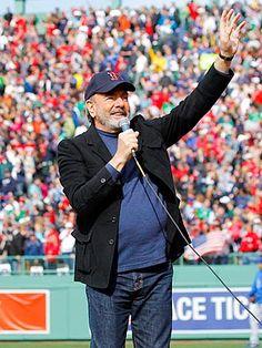Neil Diamond Surprises Boston with Fenway Performance