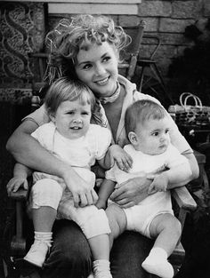 """Debbie Reynolds on the set of """"The Mating Game"""" with children Carrie and Todd Fisher"""