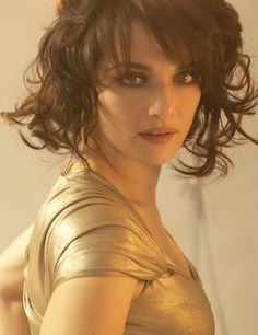 Rachel Weisz looking beautifull