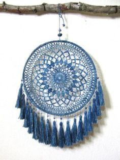 8 Magnificent Cool Ideas: All Natural Home Decor Beautiful natural home decor boho chic texture.Simple Natural Home Decor Colour natural home decor bedroom ceilings.Natural Home Decor Boho Chic Style Inspiration. Grand Dream Catcher, Large Dream Catcher, Dream Catcher Boho, Dream Catchers, Dreamcatcher Crochet, Los Dreamcatchers, Mandala Au Crochet, Sun Catchers, Boho Bedding