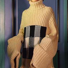 @jw_anderson Menswear F/W 2017 #knitwear #cosyknits