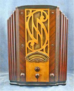 Stewart Warner R-1262 Radio (1933)