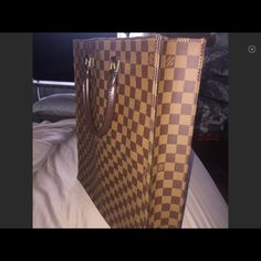 Sac Plat Louis Vuitton Nicce office tote This is a must have very nice to carry you will love this statement  bag!!! Louis Vuitton Bags