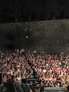 "https://www.facebook.com/eleonora.zouganeli.official/posts/10153102852873176 ""Ρόδος!!!!!!!! Και με το Αφροδιτάκι μας μαζί!!!"" Ε.Ζ. #eleonorazouganeli #eleonorazouganelh #zouganeli #zouganelh #zoyganeli #zoyganelh #kalokairi2015 #summer #tour #2015 #greece #elews #elewsofficial #elewsofficialfanclub #fanclub"