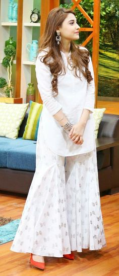Suitable on eid hina altaf Simple Dresses, Beautiful Dresses, Casual Dresses, Fashion Dresses, Long Dresses, Pakistani Outfits, Indian Outfits, Gharara Pants, Pakistan Fashion