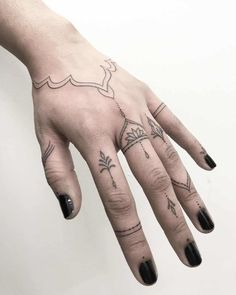 Hand And Finger Tattoos, Finger Tattoo For Women, Small Hand Tattoos, Finger Tattoo Designs, Hand Tats, Finger Tats, Tattoos For Women, Tattoo Finger, Simple Finger Tattoo