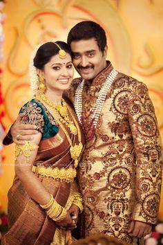 Sneha Prasanna Wedding by Vipin Photography South Indian Wedding Saree, Indian Wedding Couple, South Indian Sarees, South Indian Weddings, South Indian Bride, Saree Wedding, Indian Bridal, Wedding Dresses, Hollywood