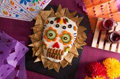 Comida De Halloween Ideas, Halloween Food For Party, Family Halloween, Halloween 2020, Easy Halloween, Halloween Treats, Halloween Decorations, Classroom Halloween Party, Classroom Treats