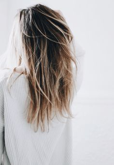 Long blond hair ombré with beauty-full volume Tresemme Box Braids Hairstyles, Pretty Hairstyles, Long Thin Hair, Long Blond, Short Beach Hair, Ombre Hair, Blonde Hair, Beauty And Fashion, Hair Day