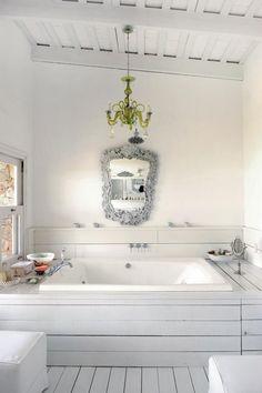Shabby chic villa design in Uruguay Ideal Home, Tub Surround, Shabby Chic, Green Chandeliers, White Bathroom, Rustic Bathroom, Villa Design, Dream Bathroom, Bathroom Inspiration