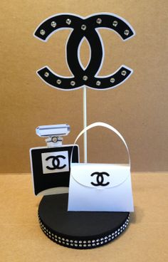 chanel inspired bling centerpiece by Chanel Party, Chanel Birthday Party, 40th Birthday Parties, Sweet 16 Birthday, Bling Centerpiece, Party Centerpieces, Diy Party Decorations, Diamond Decorations, Estilo Coco Chanel