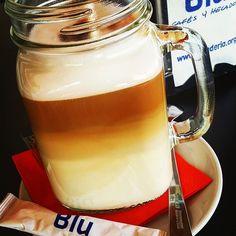 #cafe #latte en #mojacar los preparamos así. #loveblu www.heladeria.org