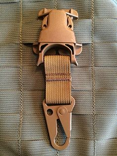 Coyote Every Which Way Buckle Wolf Hk Snaphooks - Clash-hooks System Military Tactical Adaptor for Molle Pals Pantel Tactical http://www.amazon.com/dp/B00U6ACWNM/ref=cm_sw_r_pi_dp_whNdvb1AT4AAM