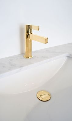 Martini Ritz Basin Mixer and Universal Plug & Waste in Polished Gold. Bathroom Tapware, Bathroom Showrooms, Bathrooms, Black Sapphire, Basin Mixer, Martini, Plugs, Rose Gold, Instagram