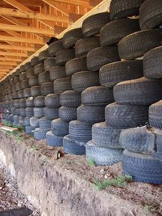 Earthship Tire Wall by Earthworm. Great insulation when filled with rammed earth Natural Building, Green Building, Building A House, Building Costs, What Is A Conservatory, Earthship Home, Tyres Recycle, Tadelakt, Sustainable Architecture