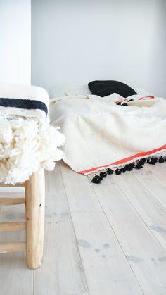 Moroccan POM POM Wool Blanket Ecru stripe Coral MUIMA*
