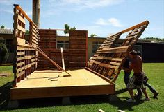 Construct Your Own House: Tiny Pallet House Plans | 99 Pallets
